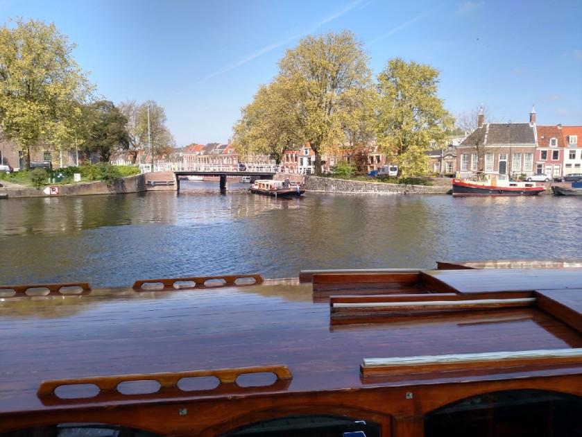 2017.04.20 Haarlem canal bridge 1